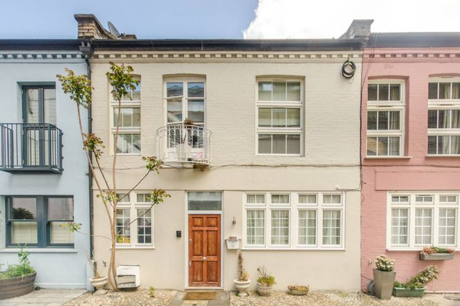 Thumbnail Terraced house to rent in Ovington Mews, Knightsbridge