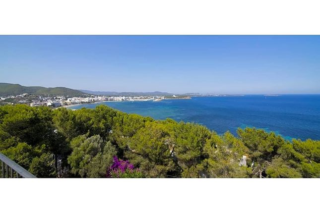 6 bed villa for sale in Camí Sesta 07840, Santa Eulària Des Riu, Islas Baleares