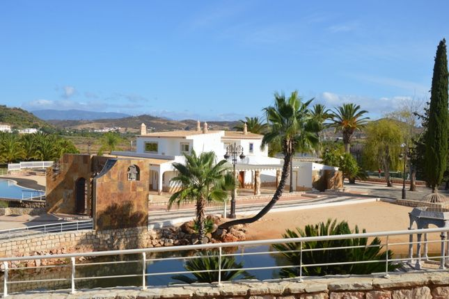 Thumbnail Villa for sale in Central, Faro, Portugal