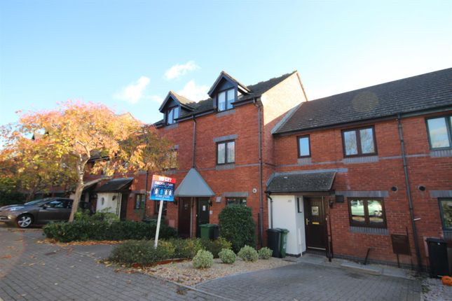 Thumbnail Terraced house to rent in Chandlers Walk, St. Thomas, Exeter