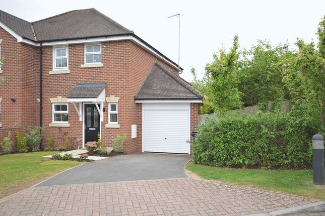 Thumbnail Semi-detached house to rent in Crabtree Close, Beaconsfield