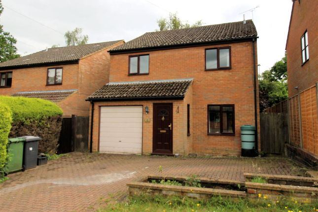 4 bed detached house to rent in Melrose Close, Bordon GU35