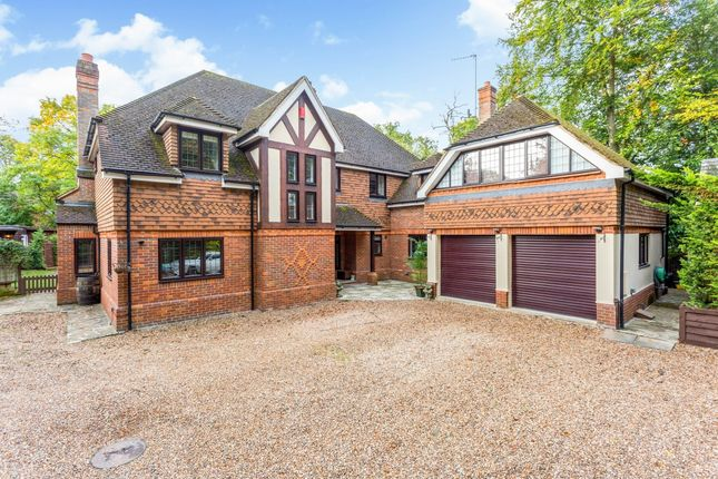 Thumbnail Semi-detached house to rent in Pinewood Close, Northwood