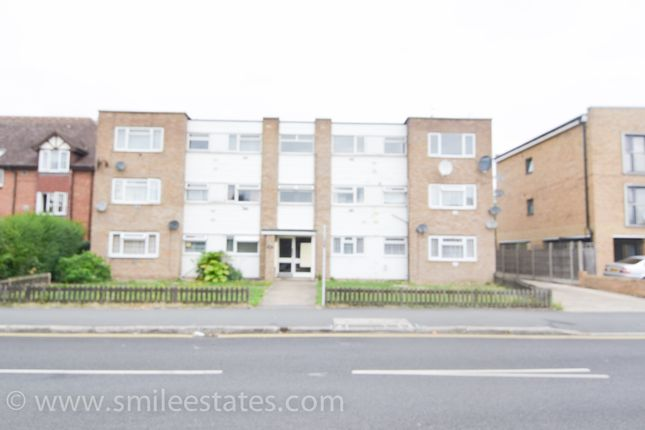 Thumbnail Flat to rent in Hatton Road, Bedfont