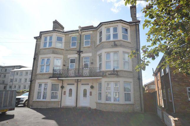Thumbnail Flat to rent in Alton Road, Clacton-On-Sea