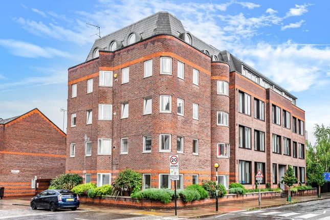 Thumbnail Flat for sale in Edward Mews, London