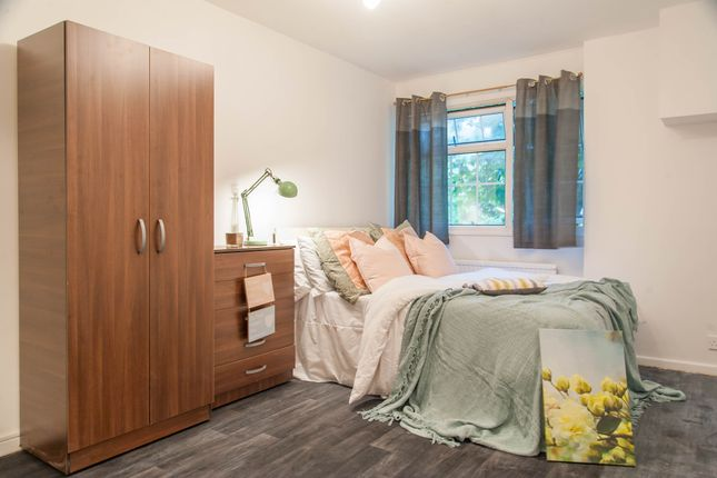 Room Available of Lord Hills Road, Paddington, Central London W2