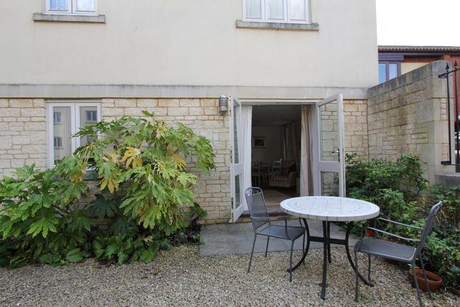 Thumbnail Flat to rent in Upper Bristol Road, Bath