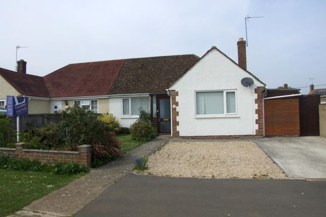 Thumbnail Bungalow to rent in Folly View Road, Faringdon