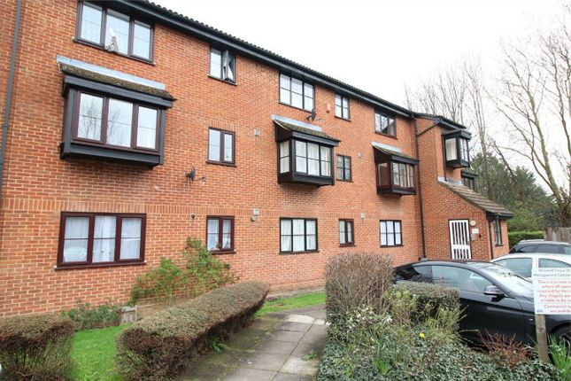 Thumbnail Flat for sale in Tempsford Close, Enfield, Midlesex