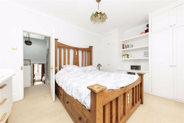 3 bed property for sale in East Arbour Street, London E1