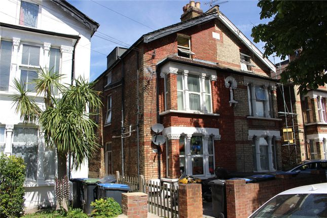 Thumbnail Flat for sale in Whittington Road, London