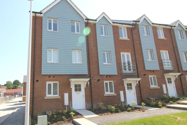 Thumbnail Town house to rent in Weavers Close, Rodmill / Upperton, Eastbourne