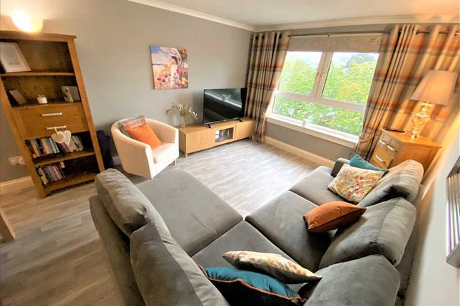 3 bed flat for sale in Smithyends, Cumbernauld, Glasgow G67