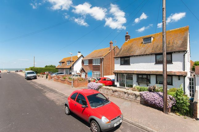 Thumbnail Detached house for sale in Kings Avenue, Birchington