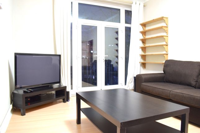 Thumbnail Flat to rent in Turin Street, London
