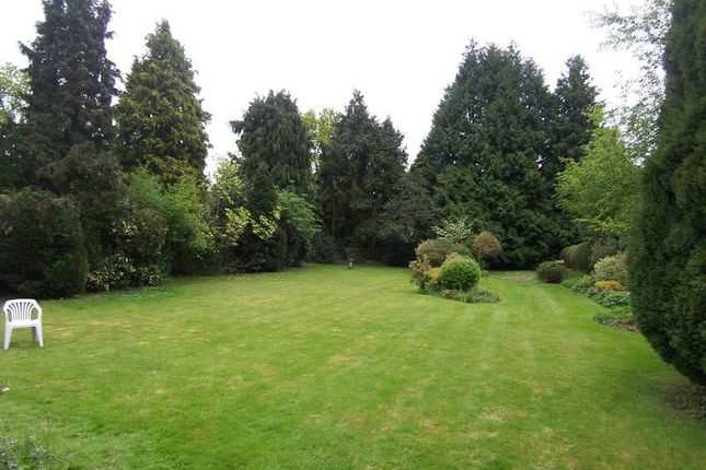 Thumbnail Land for sale in Lower Road, Fetcham, Leatherhead
