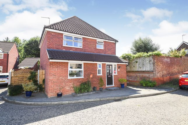 Thumbnail Detached house for sale in Chelmsford, Essex