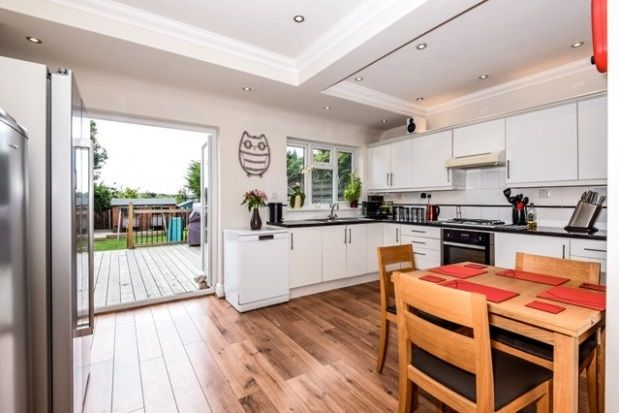 Thumbnail Property to rent in Beresford Road, London