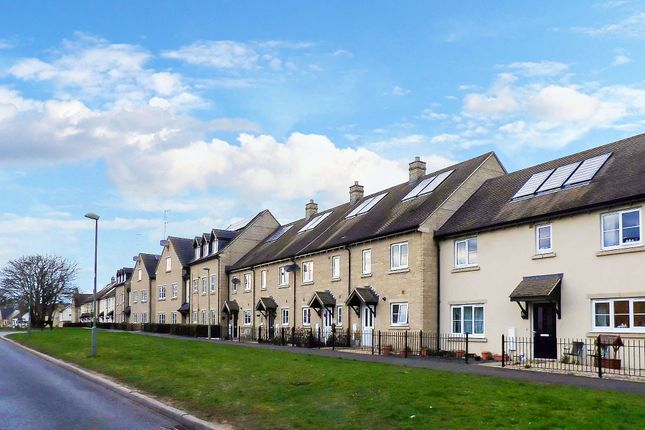 Thumbnail Terraced house to rent in Ash Avenue, Carterton, Oxfordshire