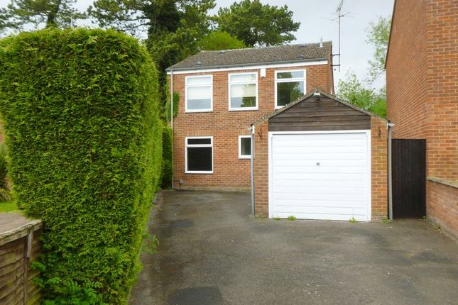 4 bed property to rent in Elm Tree Walk, Tring HP23