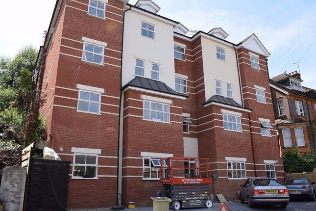 Thumbnail Flat to rent in Downs Road, Luton