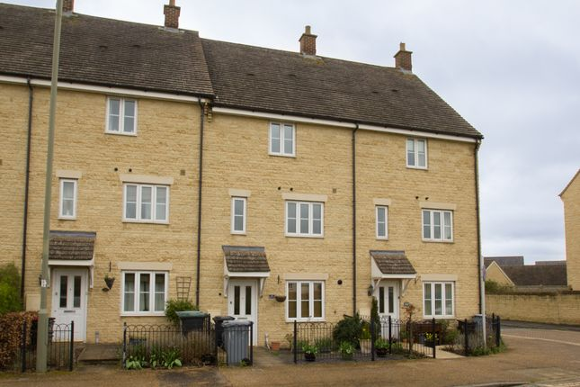 Thumbnail End terrace house to rent in Bluebell Way, Carterton