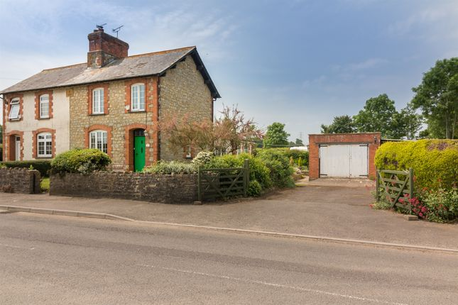 Thumbnail Lodge for sale in Prowles Cross, Closworth, Yeovil