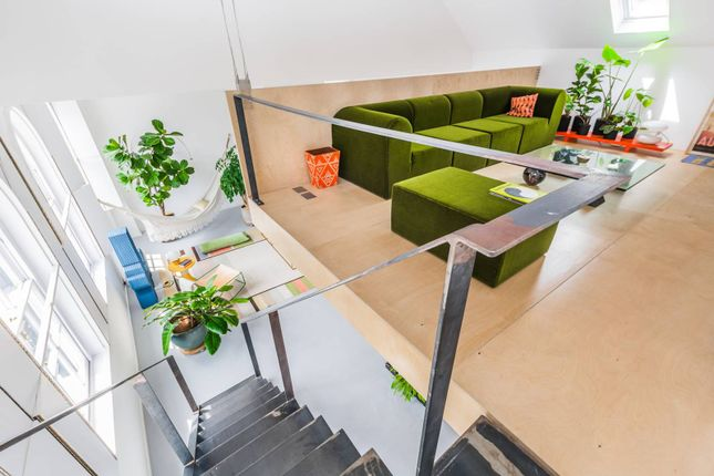Thumbnail Flat to rent in Bavaria Road, Crouch End, London