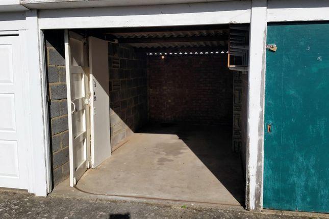 Parking/garage to rent in Rhodaus Close, Canterbury
