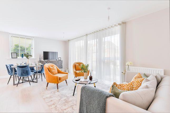 3 bed flat for sale in Epsom Reach, East Street, Epsom KT17