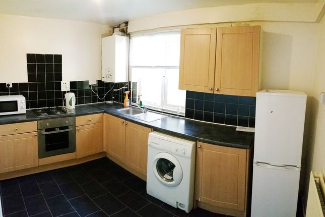 Thumbnail Flat to rent in Chelford Close, Victoria Park, Manchester