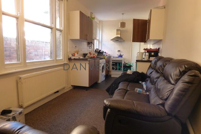 Terraced house to rent in Bramley Road, Leicester