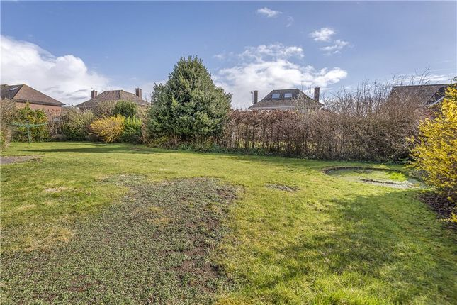 Garden of Farringdon Close, Dorchester, Dorset DT1