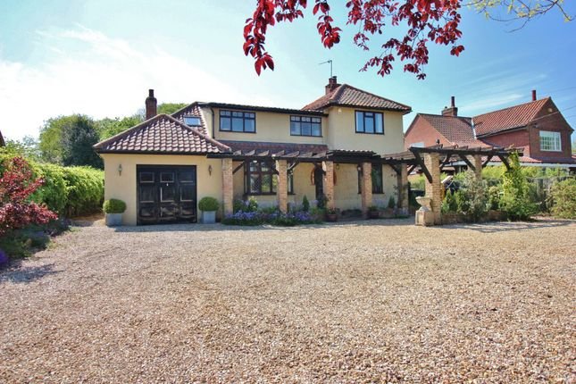 4 bed detached house for sale in Mill Road, Horstead, Norwich