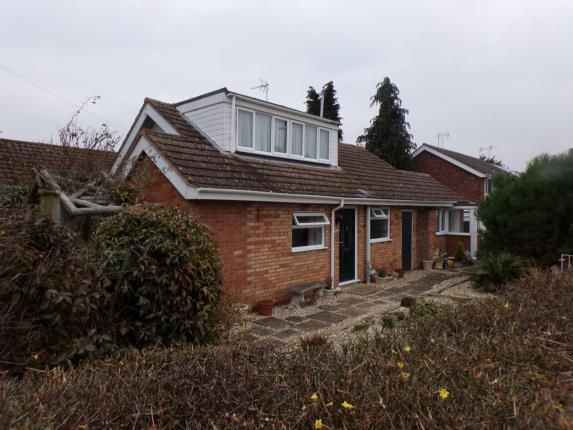 Thumbnail Bungalow for sale in Brookside Close, Stratford-Upon-Avon