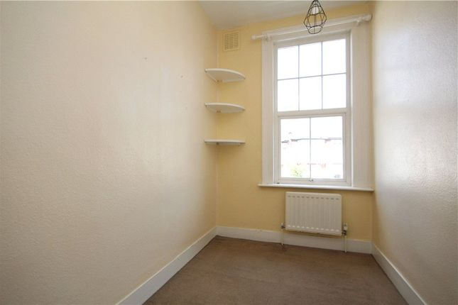 Bedroom of Cambray Road, London SW12