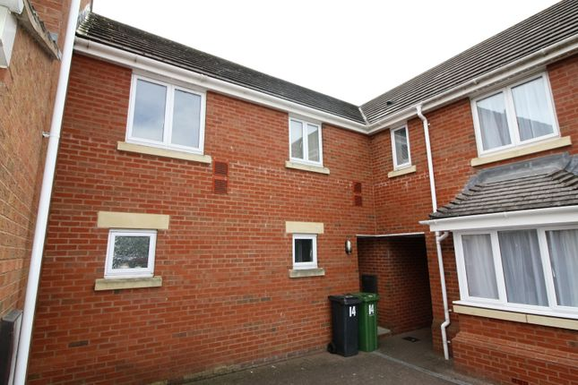 Thumbnail Flat to rent in Powlesland Road, Alphington, Exeter
