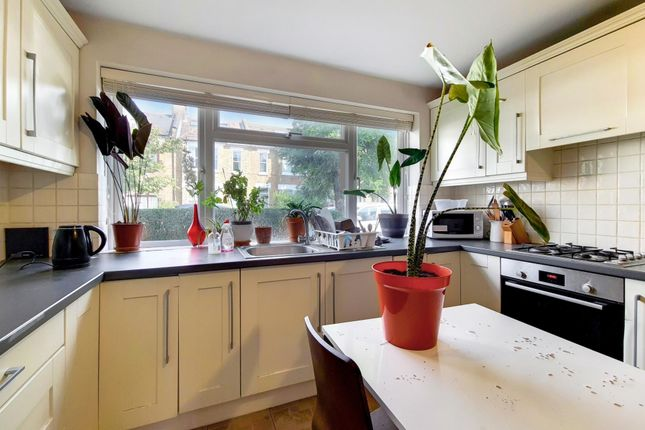 Thumbnail Maisonette to rent in Florence Road, London