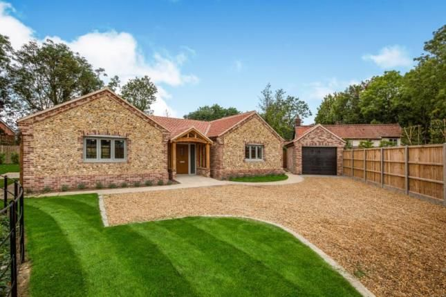 Thumbnail Bungalow for sale in Hillsend Lane, Attleborough, Norfolk