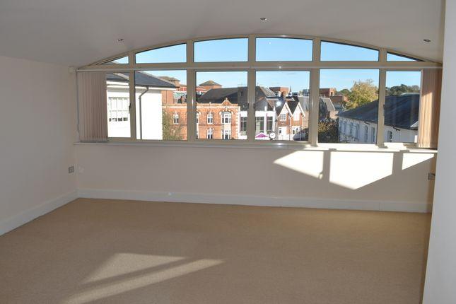 Thumbnail Flat to rent in 2 Lime Hill Road, Tunbridge Wells