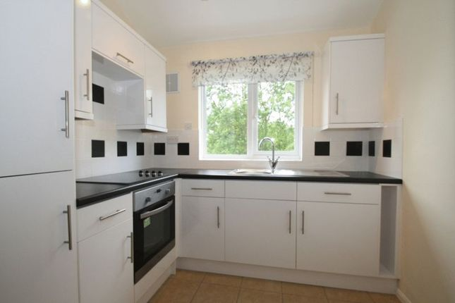 Photo 3 of Malvern Close, High Wycombe HP13