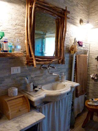 Bathroom of Località S. Giacomo Ca 60, Camporosso, Imperia, Liguria, Italy