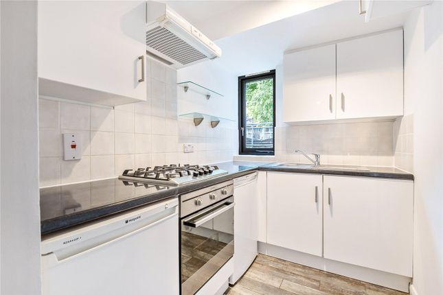 Thumbnail Flat to rent in Tollington Park, Finsbury Park, London