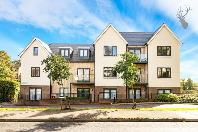 2 bed flat for sale in Centre Drive, Epping CM16