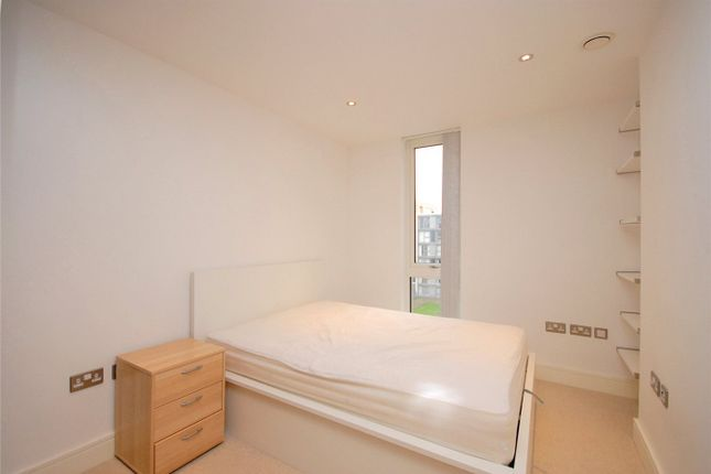 Picture No. 08 of Canary View, 23 Dowells Street, London SE10