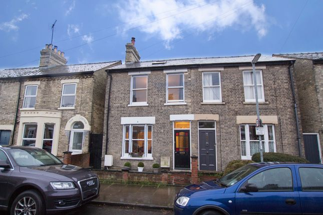 4 bed semi-detached house for sale in Beche Road, Cambridge