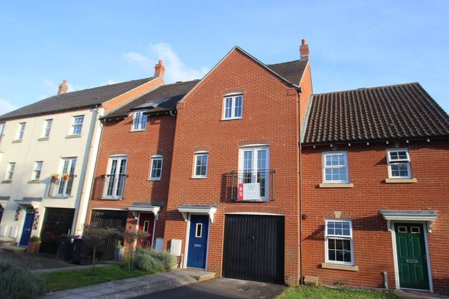 Thumbnail Town house to rent in Wellworthy Drive, Salisbury
