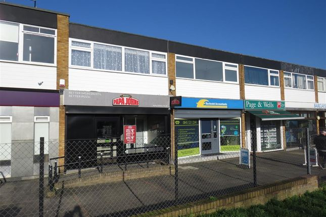 Thumbnail Flat to rent in London Road, Larkfield, Aylesford