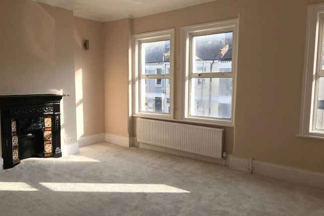 Thumbnail Duplex to rent in Hoyle Road, Tooting Broadway
